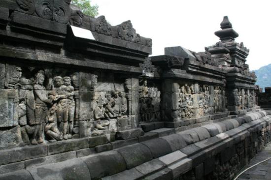婆羅浮屠佛塔