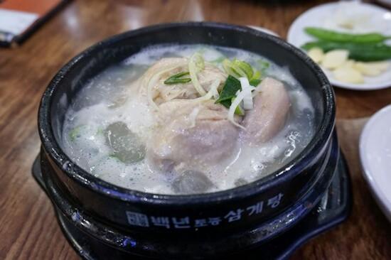 【米芝蓮選定餐廳】百年蔘雞湯