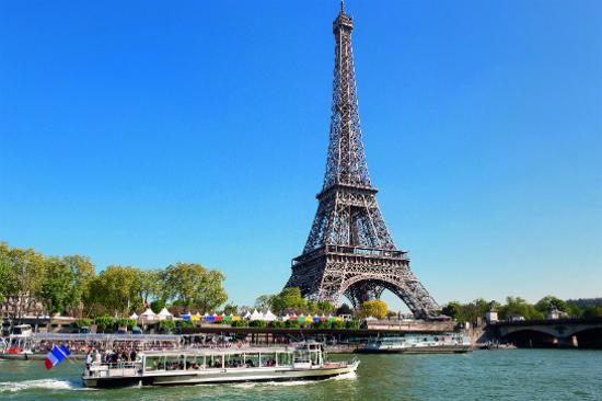 觀光船暢遊塞納河