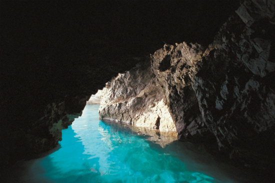 卡布里島藍洞