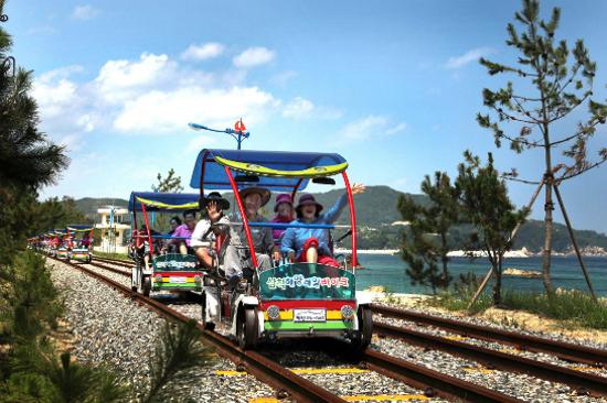 三陟海洋鐵路自行車