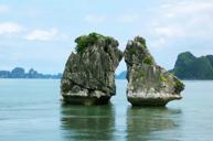 「世界自然遺產」下龍灣,乘越南特色紅木遊船漫遊