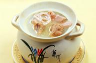 嘉魚龍骨燉野藕