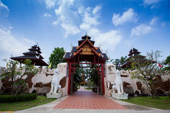 Thai Thani城堡文化村