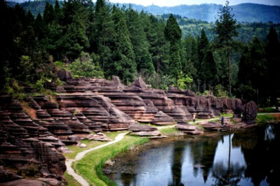 紅石林國家地質公園