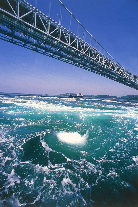 鳴門海峽壯麗漩渦