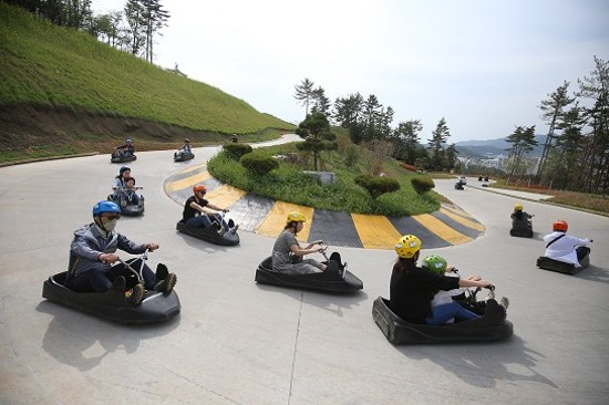 SKYLINE LUGE斜坡滑車體驗