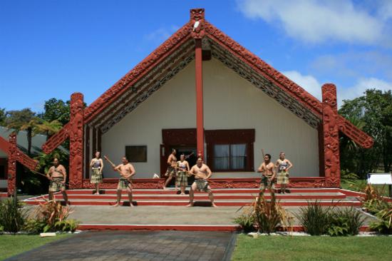 毛里族民表演