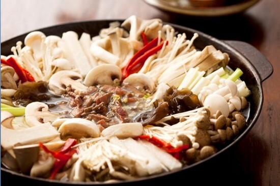 韓式野菌火鍋