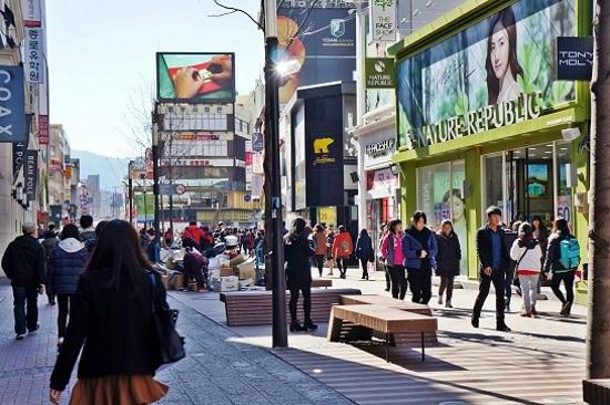 東城路購物街