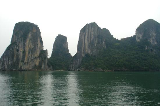 陸龍灣三谷湖