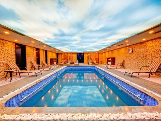 黃金7號泳池