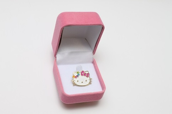 Hello Kitty 紀念徽章