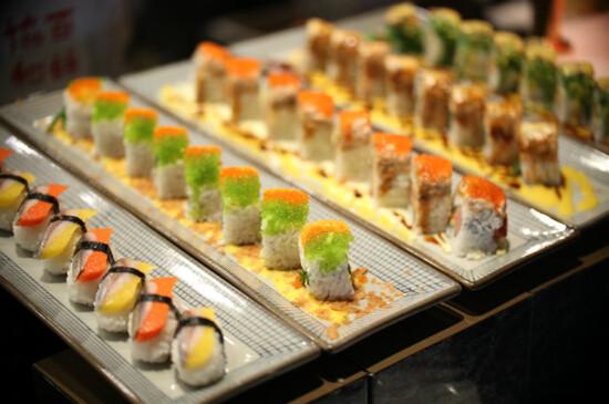 三文魚海鮮自助餐
