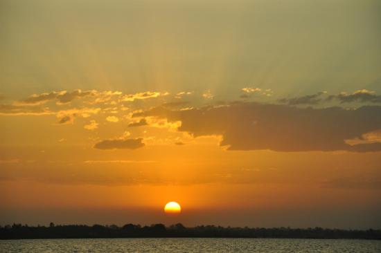 塔納湖日落