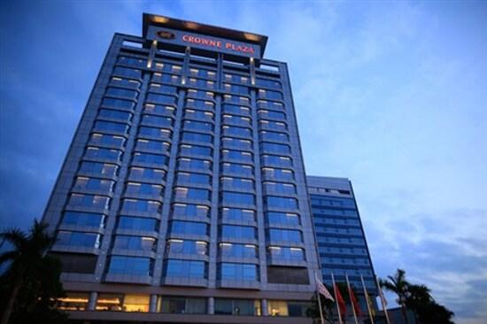中山永安新城皇冠假日酒店