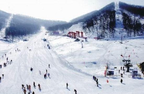 淨月潭滑雪場