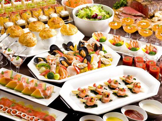 酒店豐盛海鮮自助晚餐