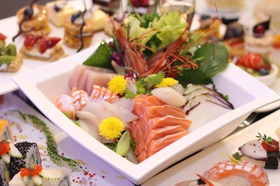 酒店龍蝦海鮮自助餐(保證每人半隻龍蝦)