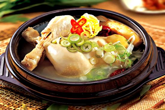 新羅傳統蔘雞湯