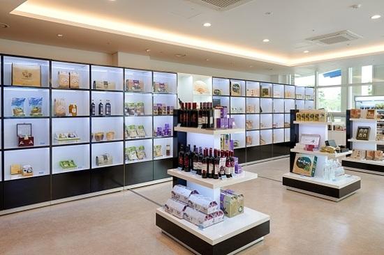 Sol Beach Hotel & Resort~Souvenir Store