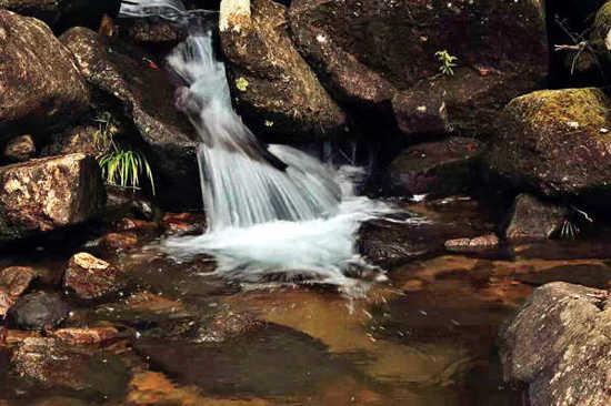 十八水瀑布群