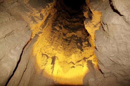 水洞溝-藏兵洞窟