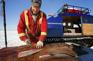 黃刀鎮冰上捕魚烹魚