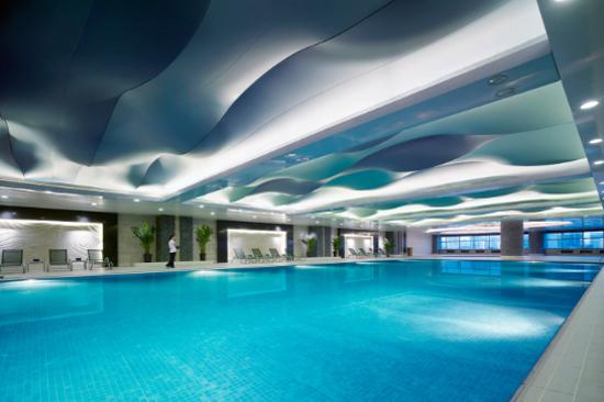 呼和浩特香格里拉酒店泳池