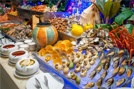 酒店豪華海鮮自助餐