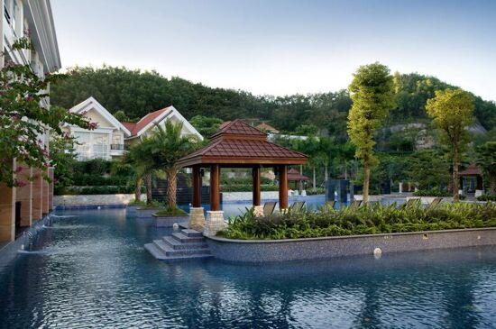 塘廈三正半山酒店