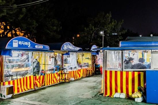 地道帳蓬海鮮小店