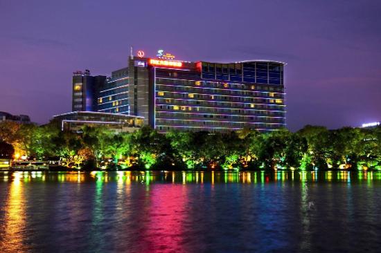 桂林漓江大瀑布酒店