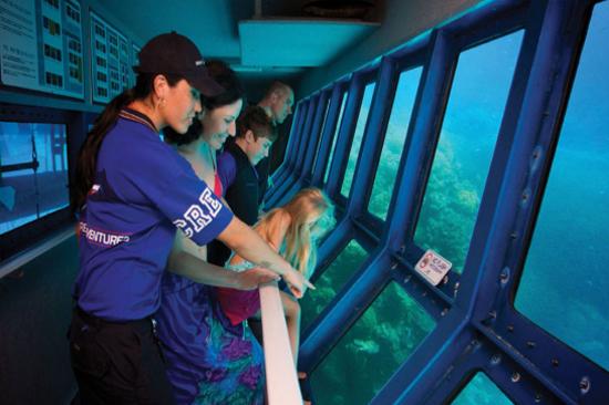 大堡礁半潛艇觀賞珊瑚礁