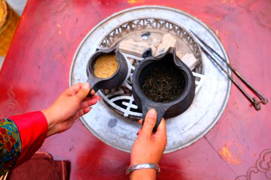 白族民間飛鹽茶會