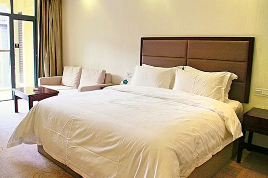 四季明月溫泉度假酒店房間