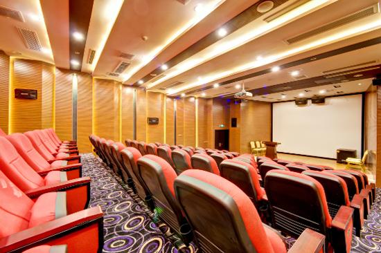 大型雙層影劇院