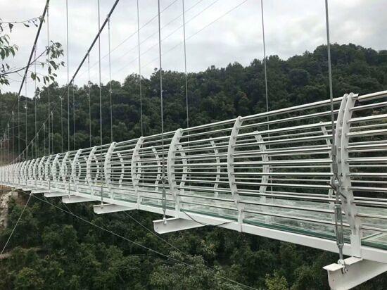 四會奇石河銀龍玻璃橋