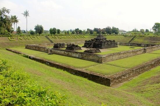 Sambisari地下神廟