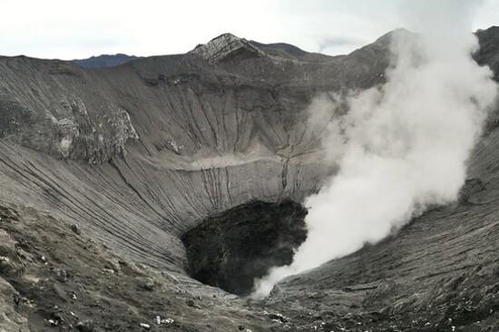 婆羅摩火山口