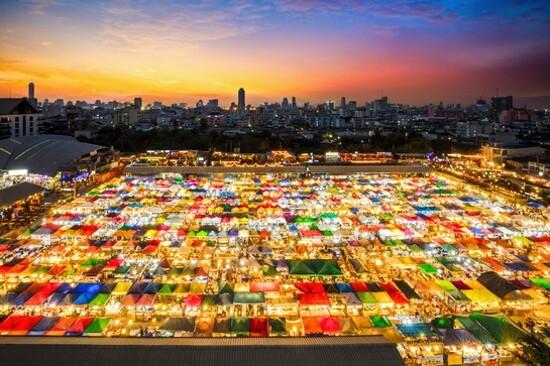 曼谷火車夜市