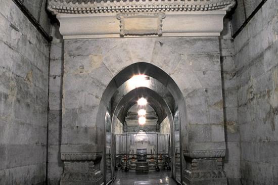 十三陵之定陵-地下宮殿