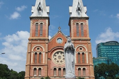 紅教堂(聖母大教堂)
