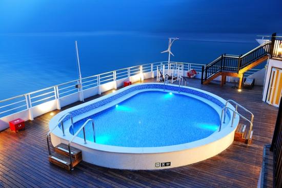 黃金游輪沖浪泳池