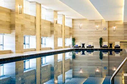 東方銀座鉑爾曼酒店游泳池