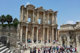 〈2020年4月新船〉 名人郵輪~名人至極號 意大利(羅馬)、土耳其(伊斯坦堡、古薩達斯)、 希臘(聖淘維尼島、米可諾斯島、雅典)、馬耳他、西班牙(巴塞隆那)  14天豪華郵輪假期