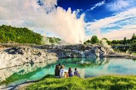 名人遊輪~名人極致號 新西蘭 (奧克蘭、陶朗加、皮克頓、基督城、但尼丁、 冰川峽灣國家公園)、澳洲 (荷伯特、伊頓、悉尼)、 14天郵輪假期