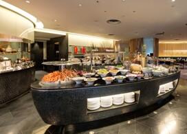 【香港諾富特世紀酒店】Le Café雙人自助晚餐│Staycation Package