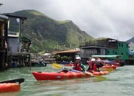 【划艇尋探大澳與海豚 + <<春芳號>>凍橙柚精蘆薈蜜】│Staycation 一天遊Package