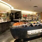 【香港諾富特世紀酒店】自助晚餐+早餐│Staycation Package
